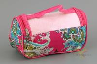 Комплект для душа, полотенце 70х140 розовое,косметичка розовая с принтом