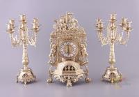 Набор:каминные часы высота=40 см.длина=25 см.+2 подсвечника 21*18 см.высота=39 см.