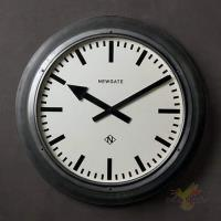 Часы Дифрент
